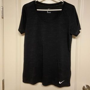 DRY FIT NIKE TEE SIZE L
